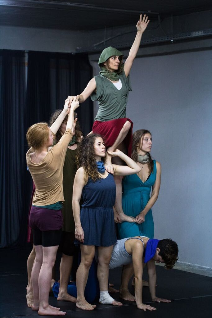 """A ridiculous dream"", ensemble physical theatre performance, 2015, photo:G.Voursoukis"